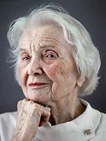 usia bertambah cenderung memiliki kolesterol yang tinggi